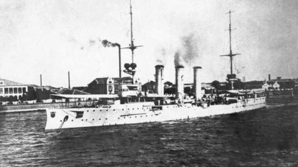 德国一艘军舰被英法日俄78艘军舰联合追击 连对手都赞叹不已