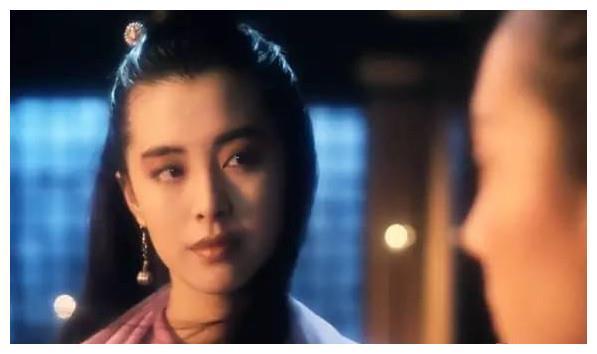 王祖贤的眼、朱茵的鼻子、周海媚的嘴组合到一起,简直惊为天人!