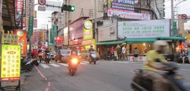 台湾最大夜市没人去,店家怪大陆游客,台网友:是你们自己作死!