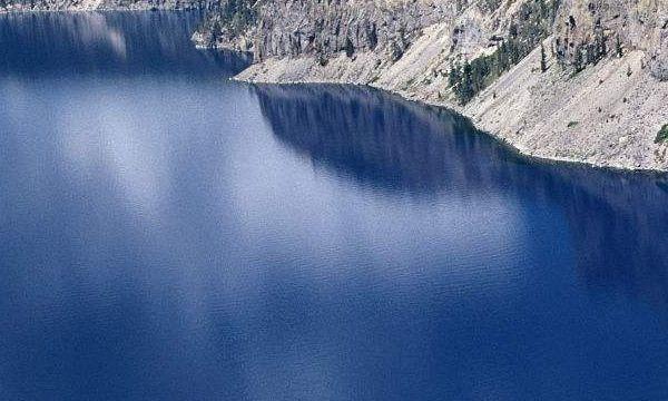 火山口湖风景的杰作,这壮丽的鬼斧神工,让人佩服大自然的伟大!