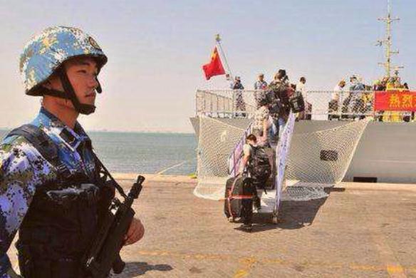 中国撤侨时,韩国和日本人假装成中国人怎么办?解放军只需一招