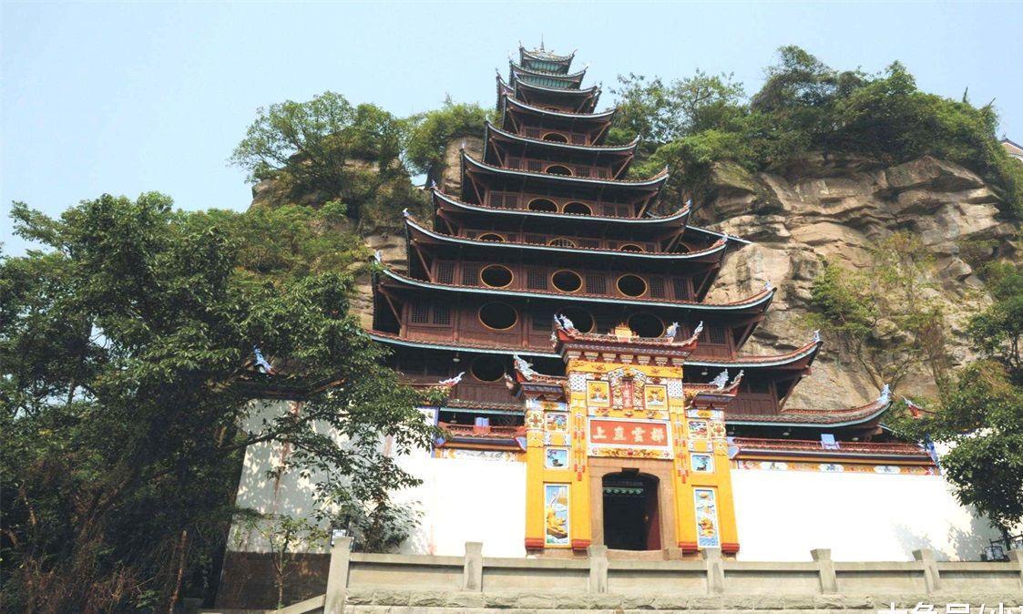 此景区被外媒评为中国建筑奇观,曾耗资1亿修复,如今却无人知