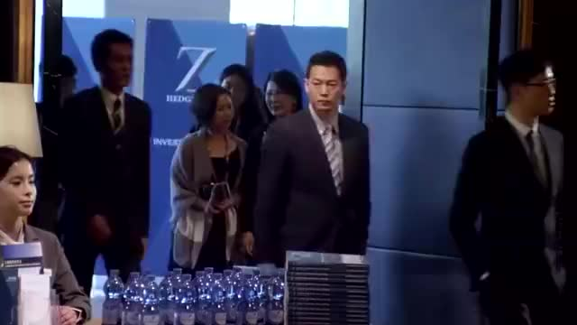 陆志廉等人潜入Z基金的发布会,暗中观察