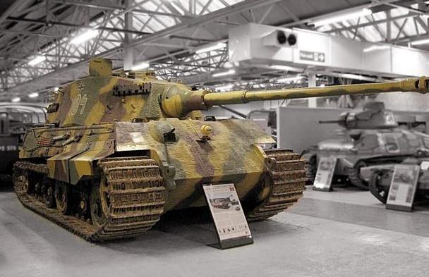 """德国曾装备近500辆""""虎王""""坦克,却依旧惨败:消耗战打不起"""