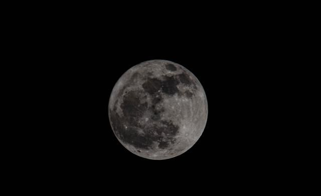 江西于都密坑村,十六的夜晚圆圆的月亮,故乡美丽的明月
