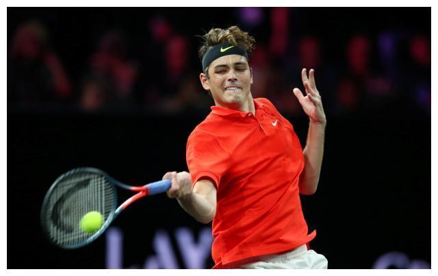 网球——拉沃尔杯:西西帕斯胜弗里茨(1)