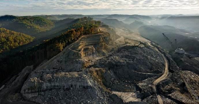 全球年产量第一的煤田,煤层厚度近千米,煤炭资源量3168亿吨