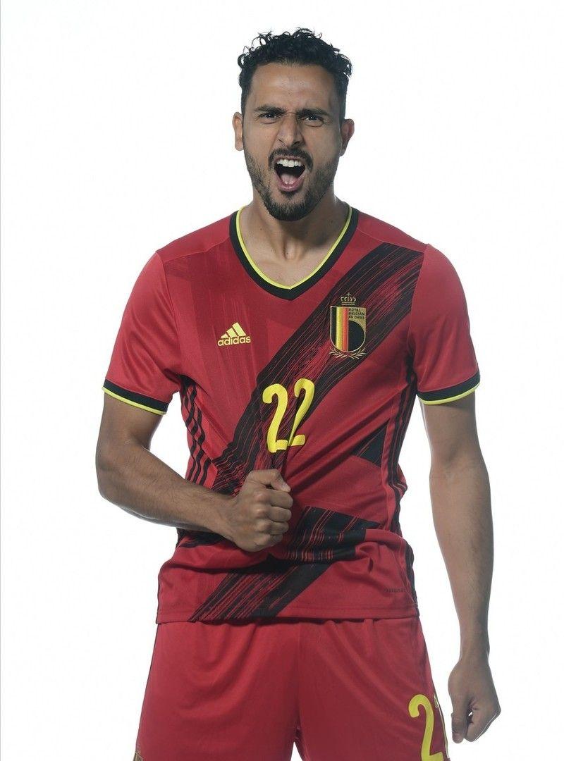 比利时国脚穿新队服拍摄写真,卡拉斯科阿扎尔谁更帅?