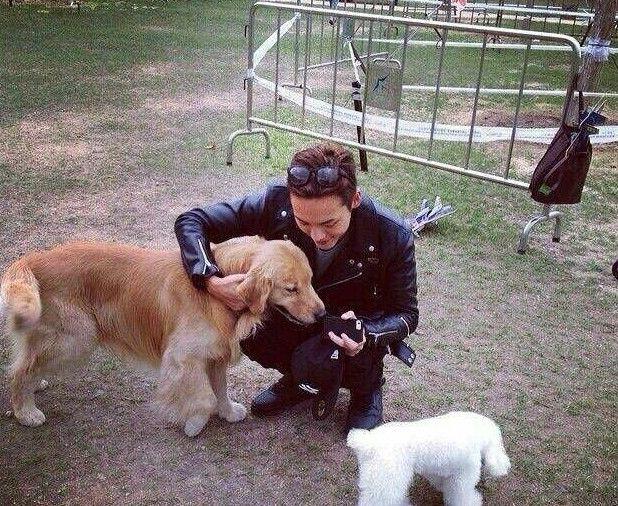 陈伟霆的狗,范冰冰的猫,张柏芝的狗,都败给了她们俩的相似度!