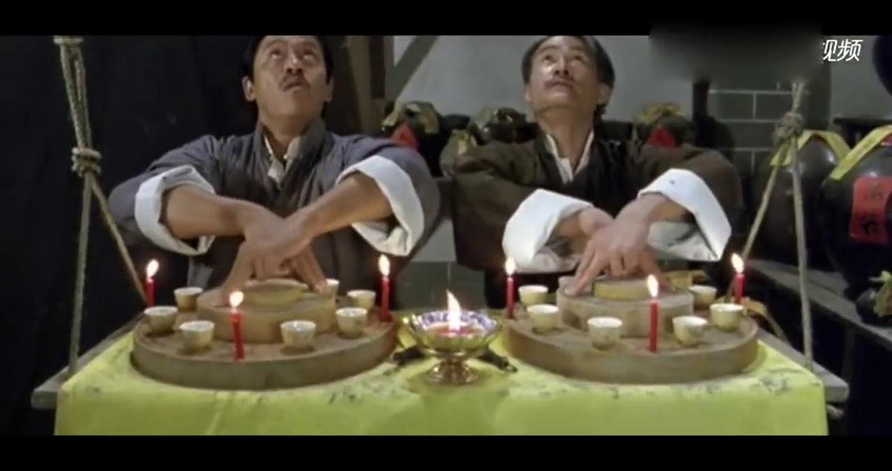 """朱砂毛笔配上""""铜镜""""专治""""鬼上身""""!人鬼跳舞都可以!"""
