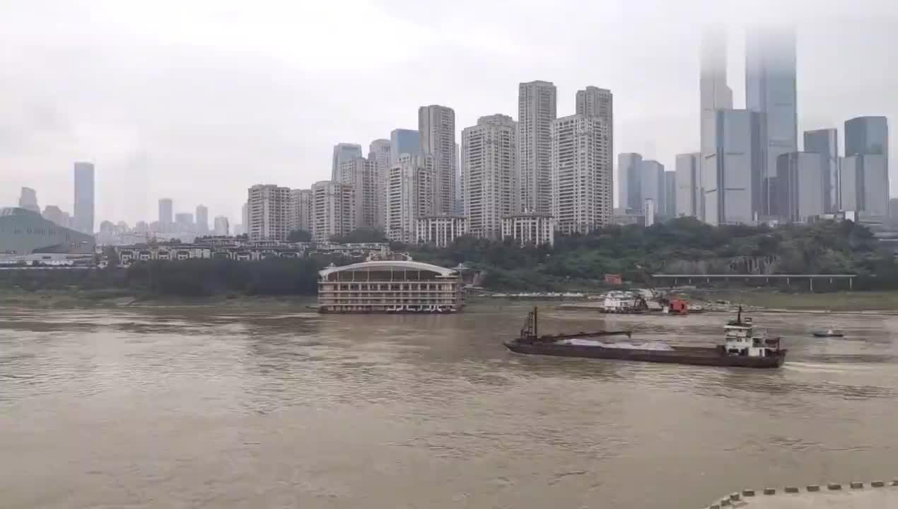 重庆主城地段长江最深达108米能通航5000吨级船舶