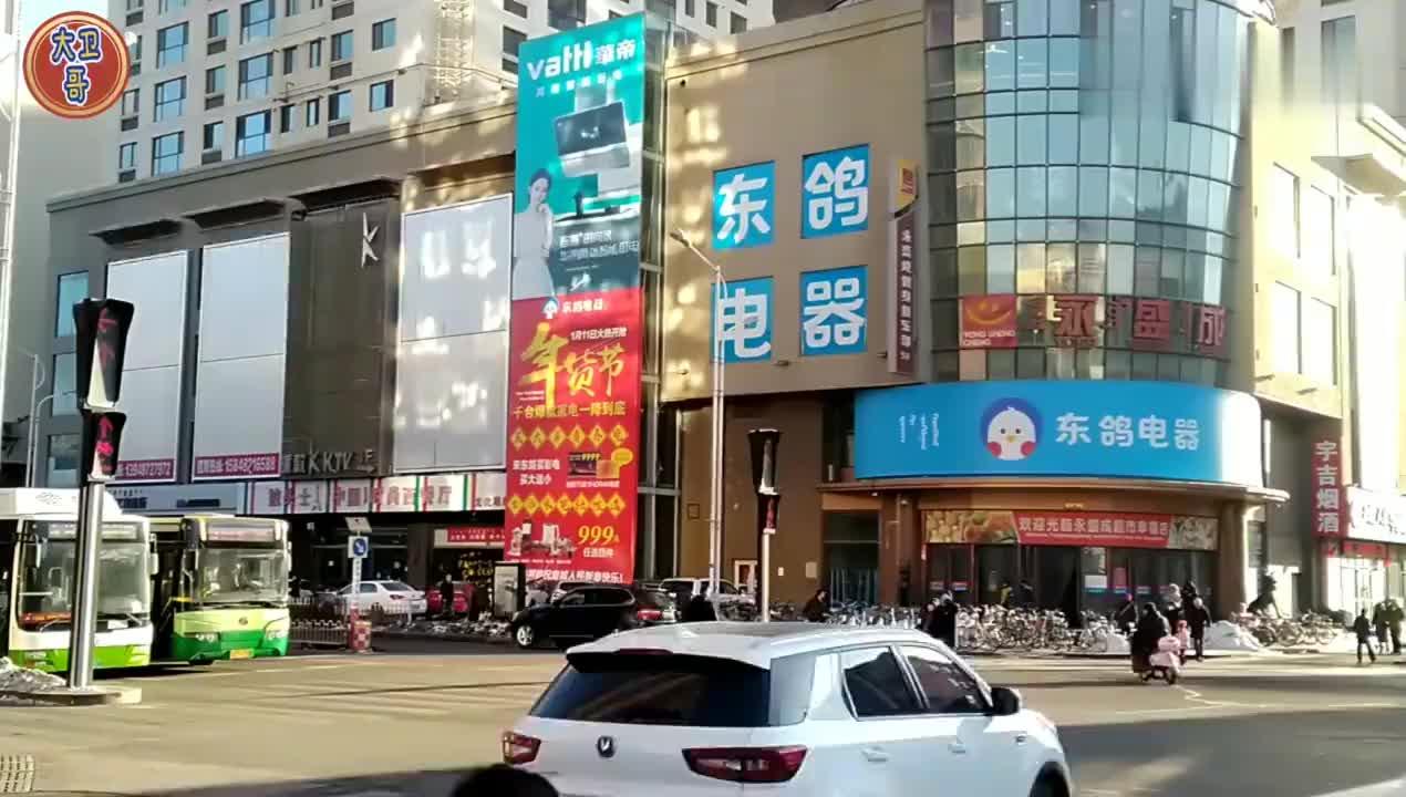 实拍内蒙古包头新年将至需求上升步行街小吃也火啦