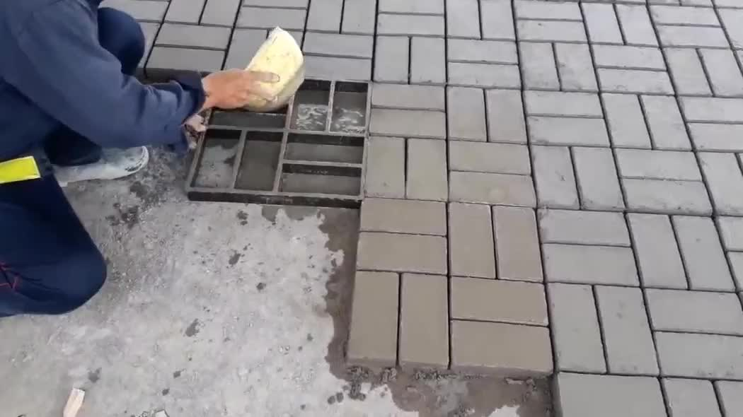 水泥砖就是这样制作的?可这效率实在忍不住要吐槽一番