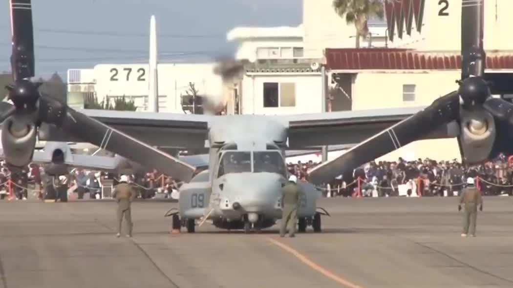 超近距离看鱼鹰直升机起飞,机身上的这一对螺旋桨真霸气!
