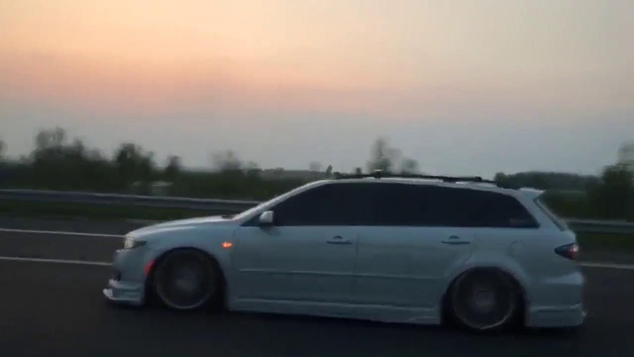 视频:这是马自达6旅行版,不是高尔夫R