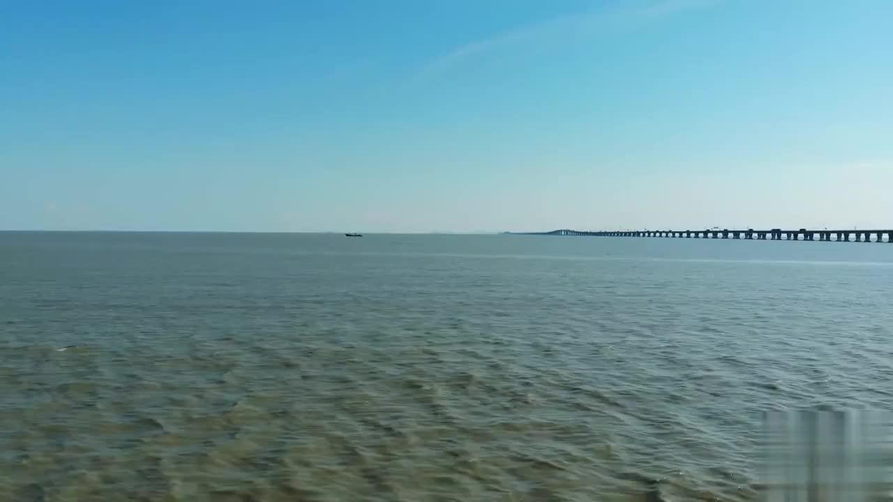东海大桥很壮观称为世界之桥听一听海浪的声音