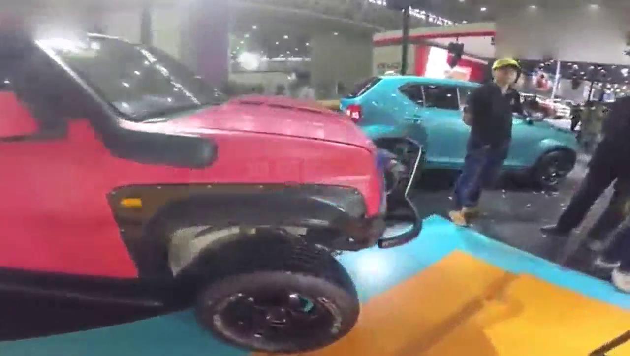 视频:车展体验二线日系品牌进口铃木吉姆尼改装和新款英格尼斯