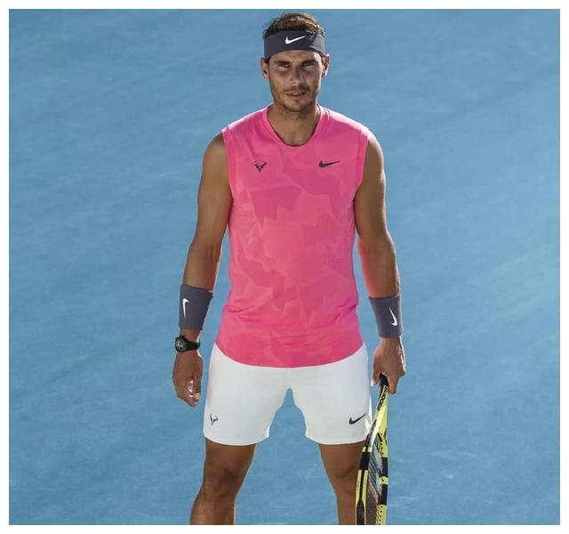 继续穿无袖衫!纳达尔澳网战袍曝光,打破魔咒的他能否实现双圈?
