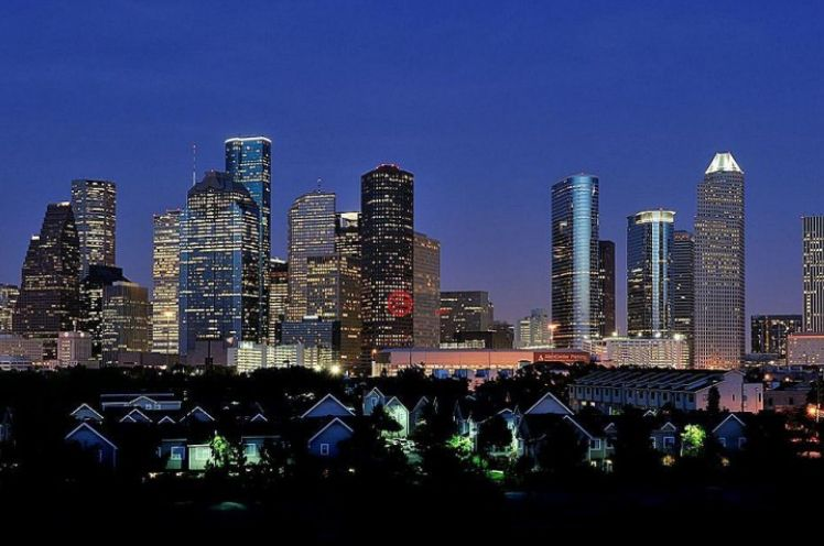 休斯顿:美国德克萨斯州的第一大城,美国境内的第四大城市