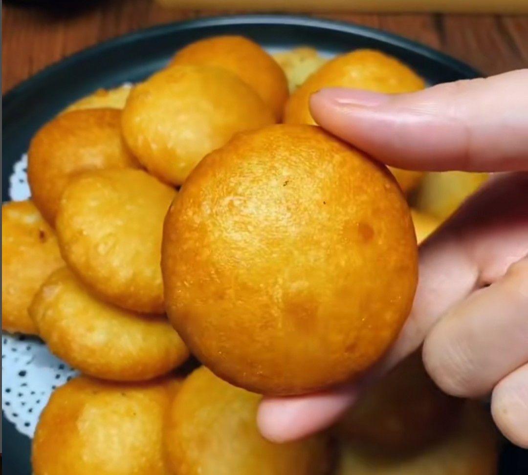 小锅哥教你做,香甜酥脆的炸糖糕,简单好学味道非常好吃