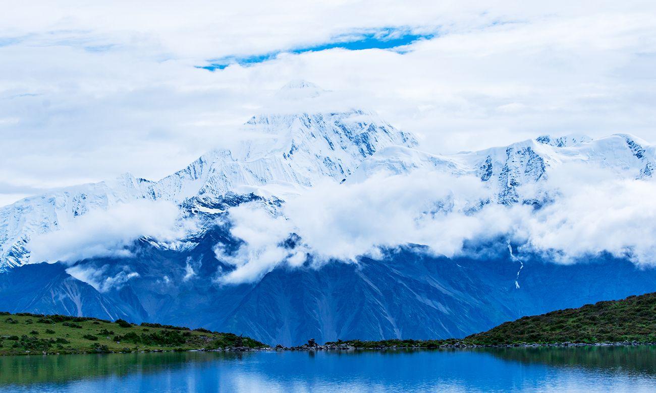 里索垭口探贡嗄神山,不愧是中国最美的十大名山之一