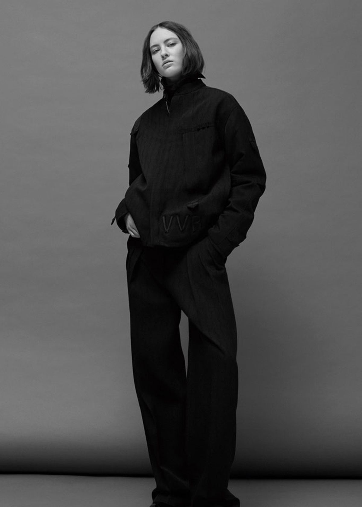 Victoria Victoria Beckham系列时装明暗对比的色调也再次被运用