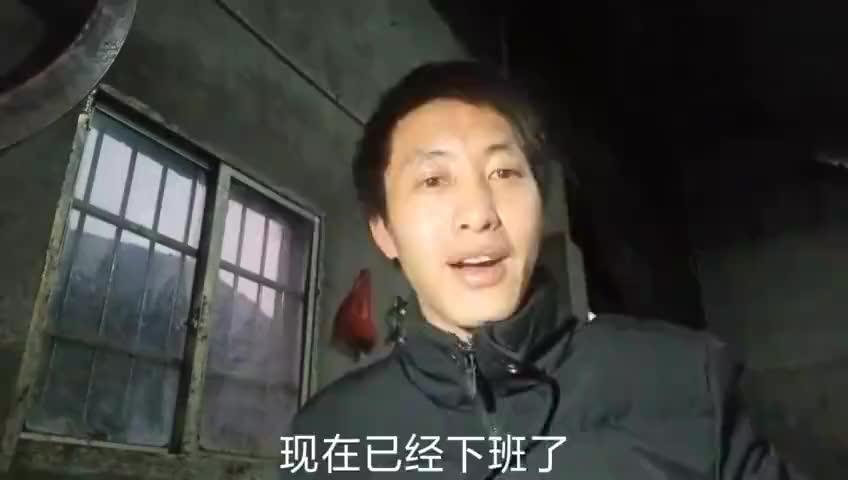 贵州小伙偷学冲床技术三个月如今月薪过万付出就有回报