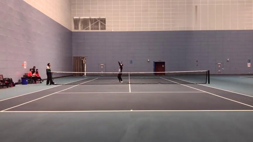 网球运动:这是什么打法?看来能这样打网球的,练了很多年!