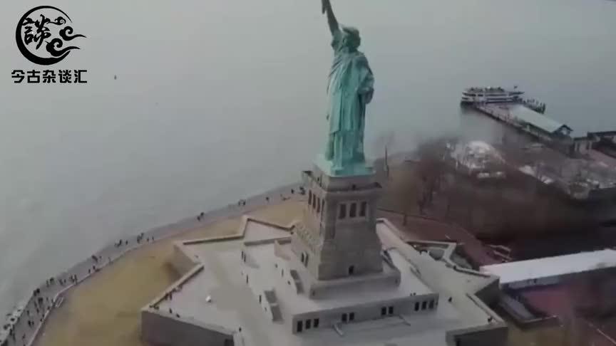 世界上最性感的雕像花费500万巨资打造因游客无耻行为被强拆