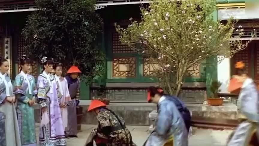 《甄嬛传》妃子都系一条白领有何作用除了美观更为方便皇帝