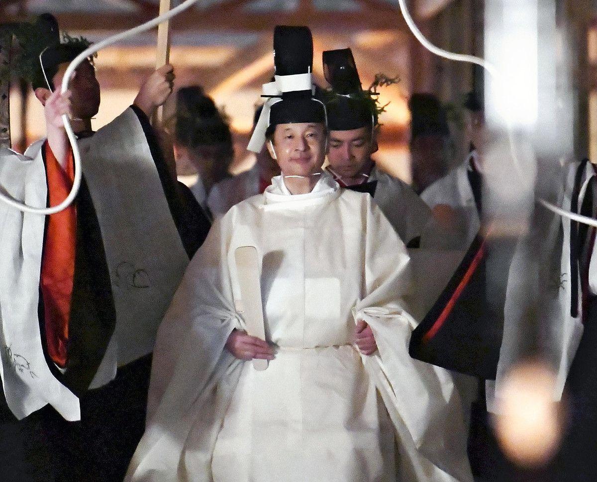 日本天皇即位最重要仪式结束,安倍晋三列席
