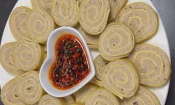 美食推荐:千张肉卷、清汤越鸡、豆豆肉制作方法