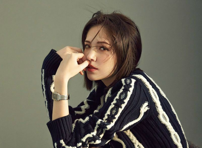 许玮甯一位中美混血美女,高挑的身材让人着迷