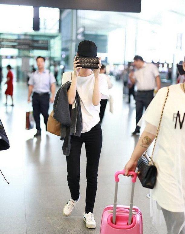 车晓的腿让男人怀疑人生,私服成为机场红人,网友:好嫉妒!