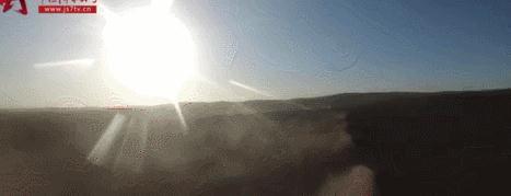 """大场面!解放军""""豪华版""""合成营在高原大漠各种火力轮番轰击"""