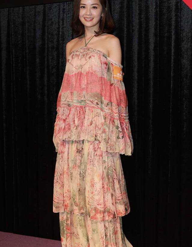 备受青睐的8款裙子,就连女明星都喜欢得不得了,特别是最后一套