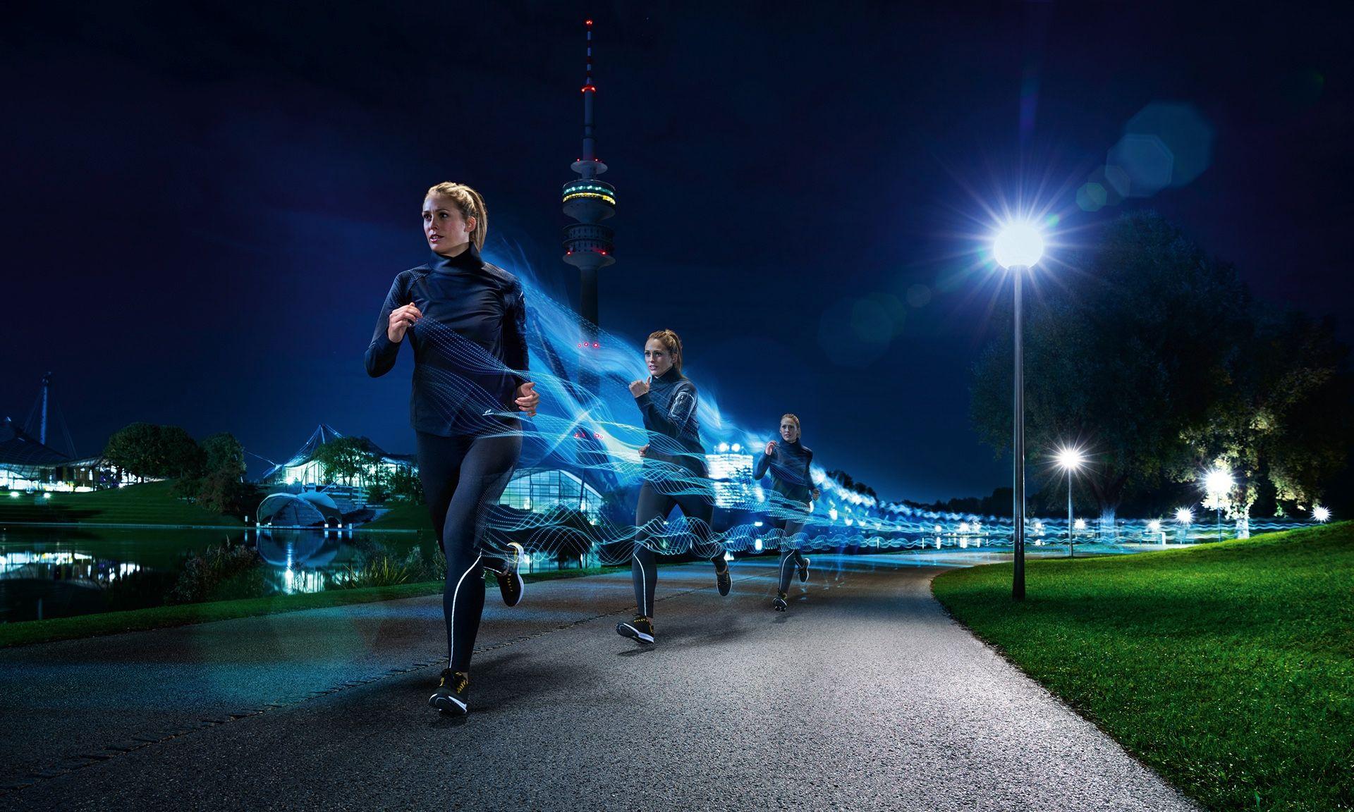 高科技装备加持夜跑,精致的运动广告摄影欣赏