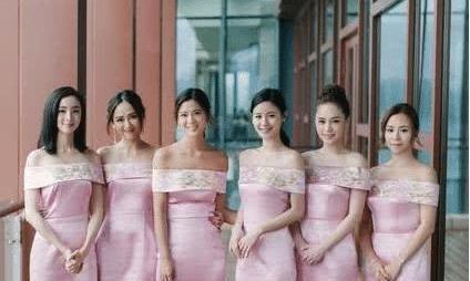 从不参加婚礼的她只当了一次伴娘,黄晓明都请不动,力压全场