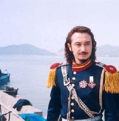 长得最像外国人的5位中国演员,他一直被误认为就是外国人
