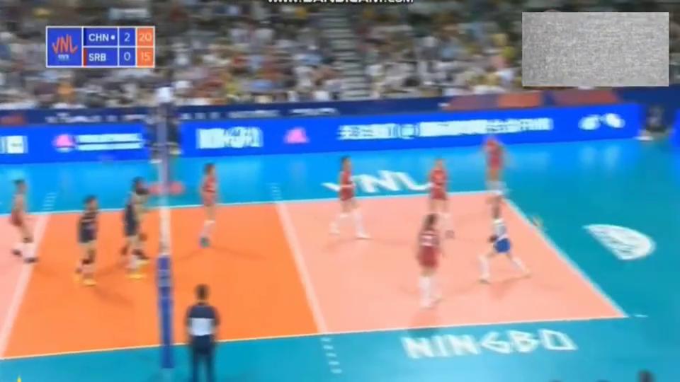 世界女排联赛,中国女排3:0横扫世锦赛冠军塞尔维亚女排,赞!