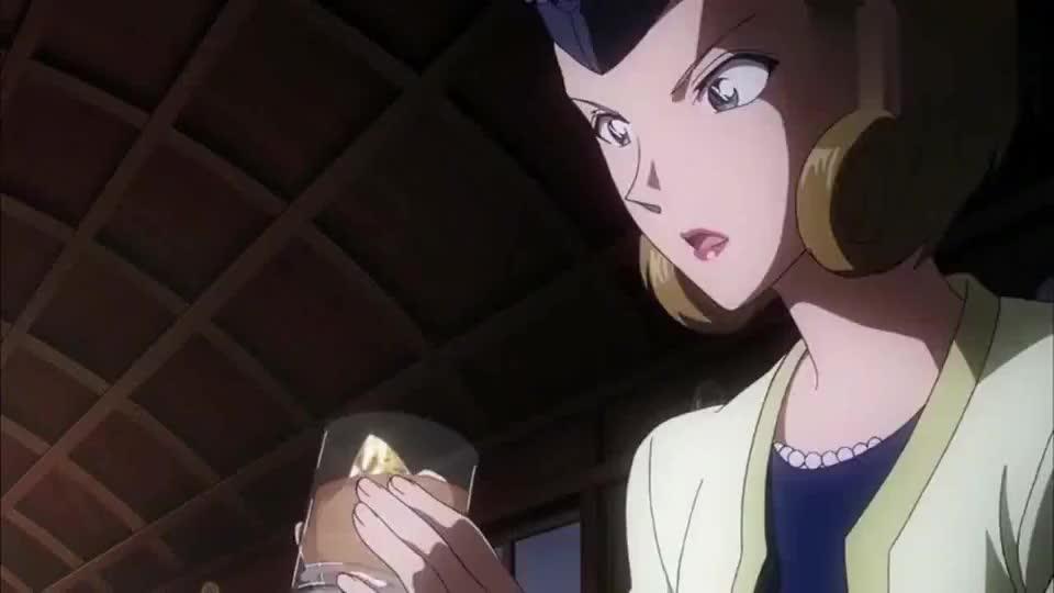 名侦探柯南基德从女王手里夺走水晶之母一群保镖根本来不及出手