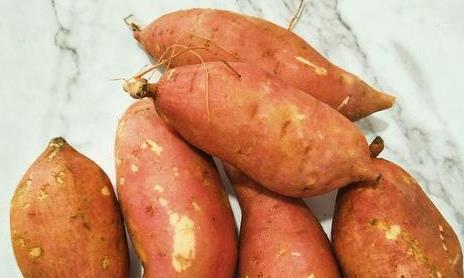 电饭锅烤红薯,不加一滴水,出锅后比外面卖的还好吃!早知早受益