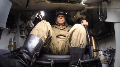 你知道坦克驾驶员是如何开动一辆T-34型坦克的吗?