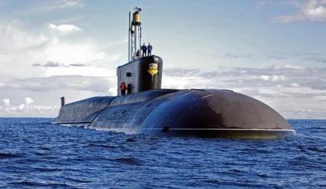 美国新型核潜艇有多厉害?满载排水量2万吨,常备核弹头3500枚