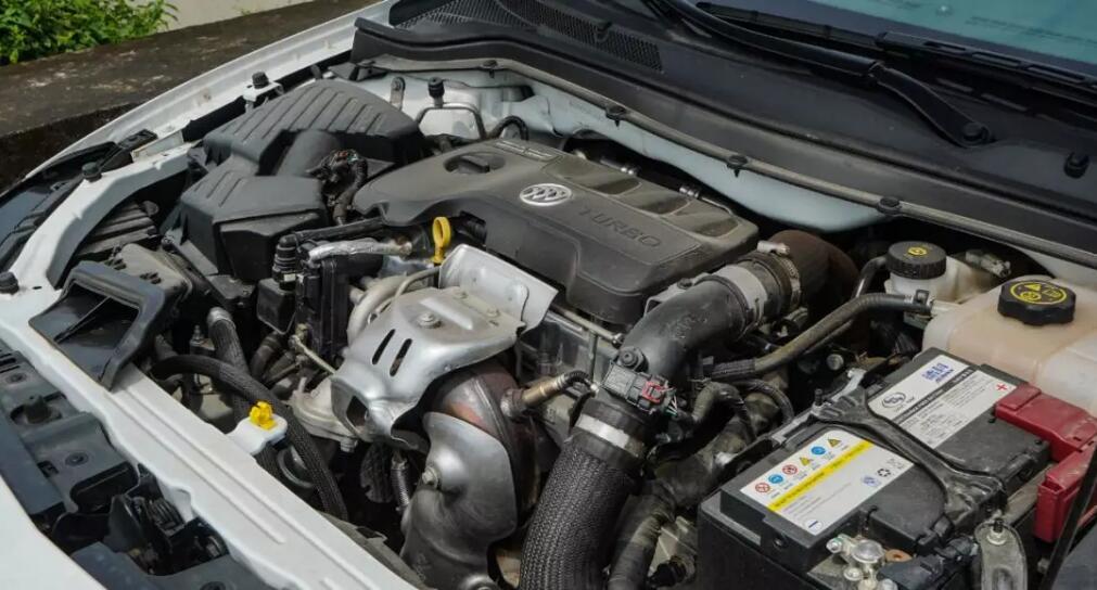 别克英朗18T用车报告(一),经济适用型车也有特权!