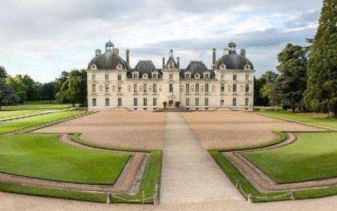 法国卢瓦尔河香波堡:展现意大利文艺复兴时期的辉煌艺术