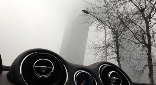 最好打开示宽灯 说说雾霾天驾车的注意事项