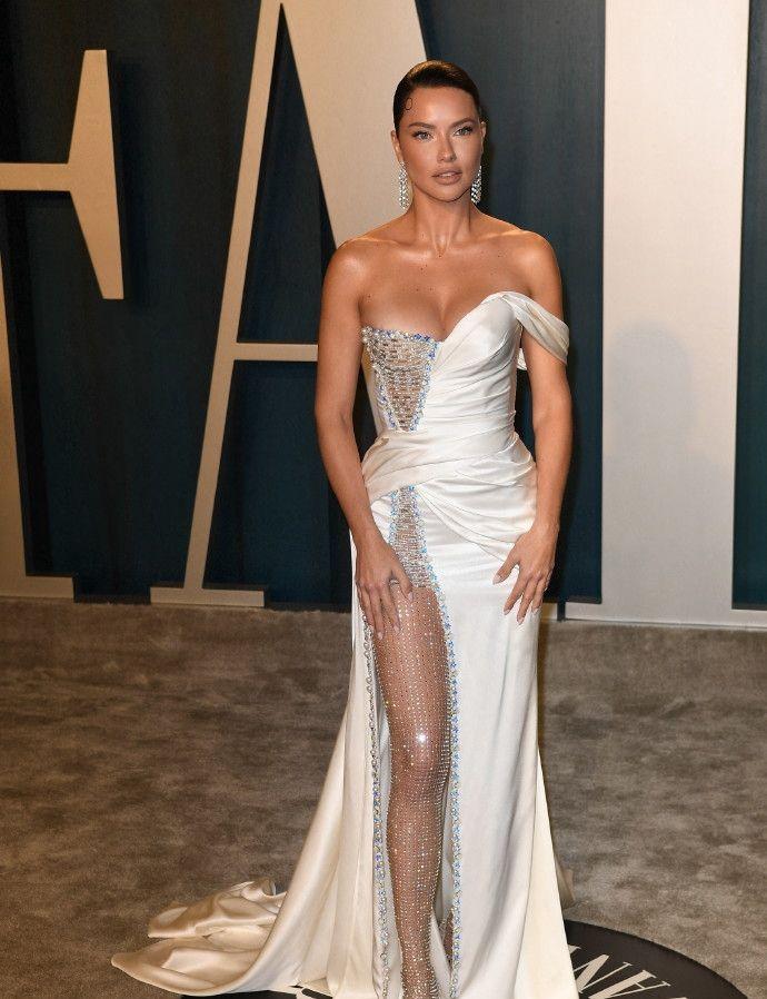 超模Adriana Lima从头到脚的美丽,这也太好看了吧