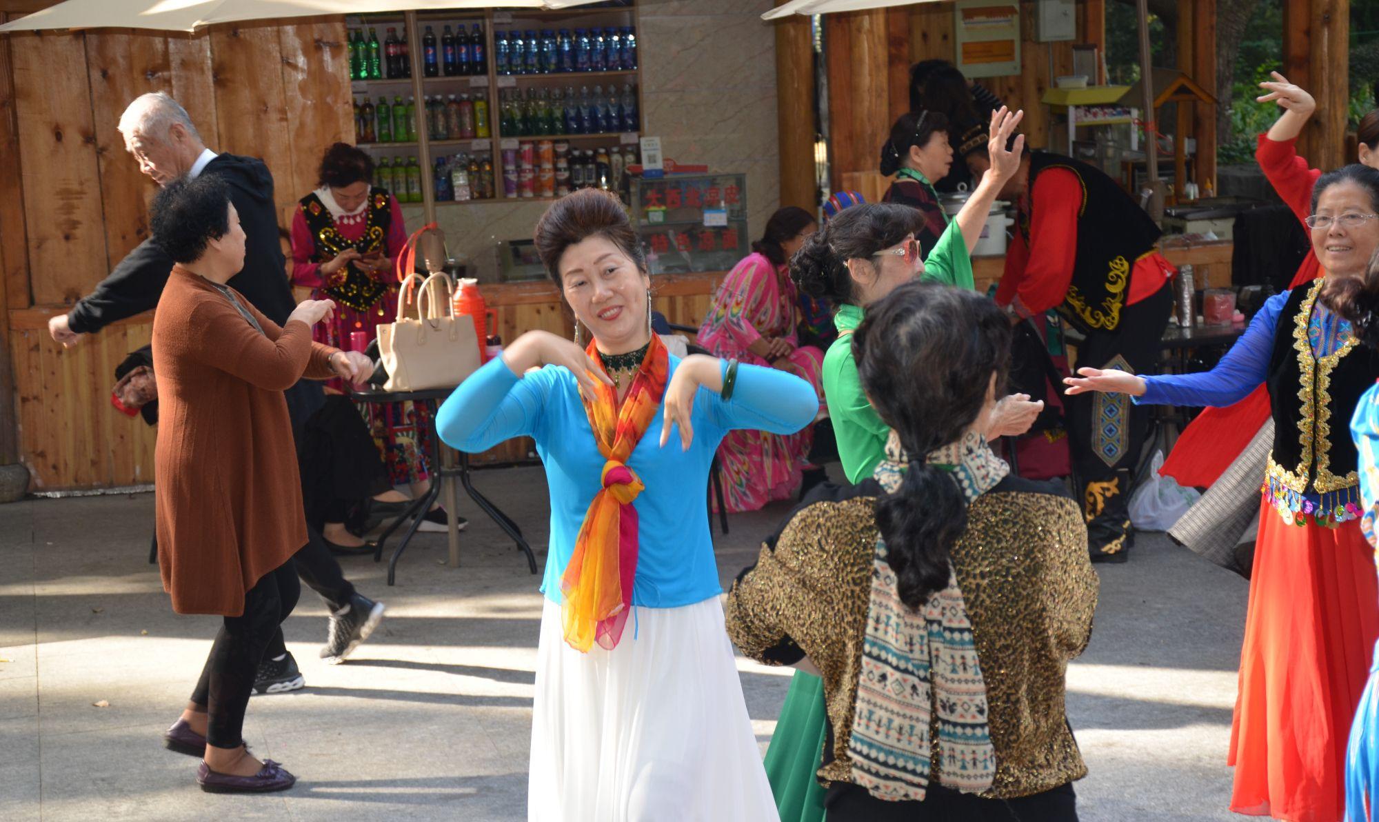 镜头记录3:看不够的新疆舞