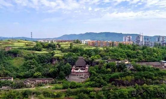 重庆江津区一个镇,位于长江北岸,拥有大佛寺景区